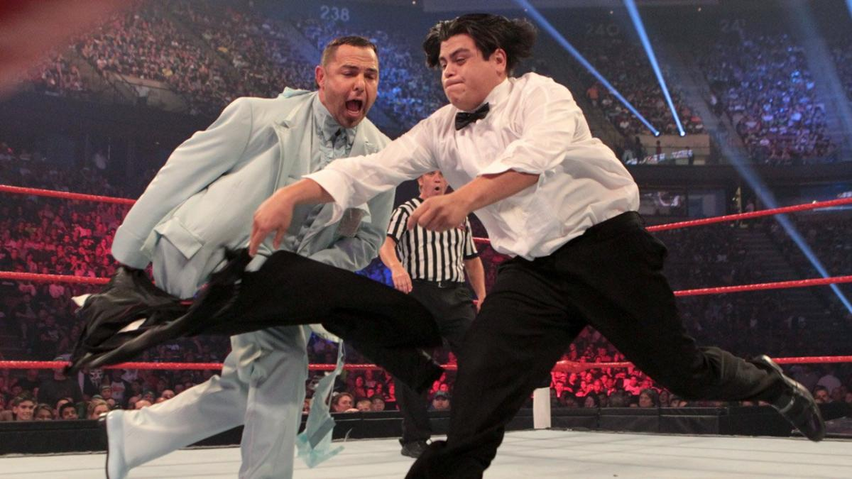 After Ricardo loses his sport coat to his opponent's grasp, Santino performs his best Tito Santana impression, enticing Ricardo to run at him like a bull.