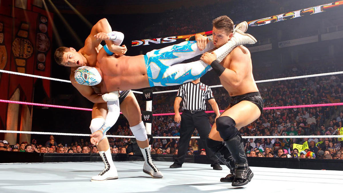 Rhodes and Miz attempt to team up on Sin Cara, but The International Sensation executes an impressive aerial reversal.