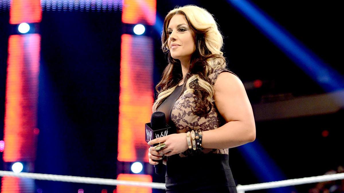 Kaitlyn WWE Nude Photos 49