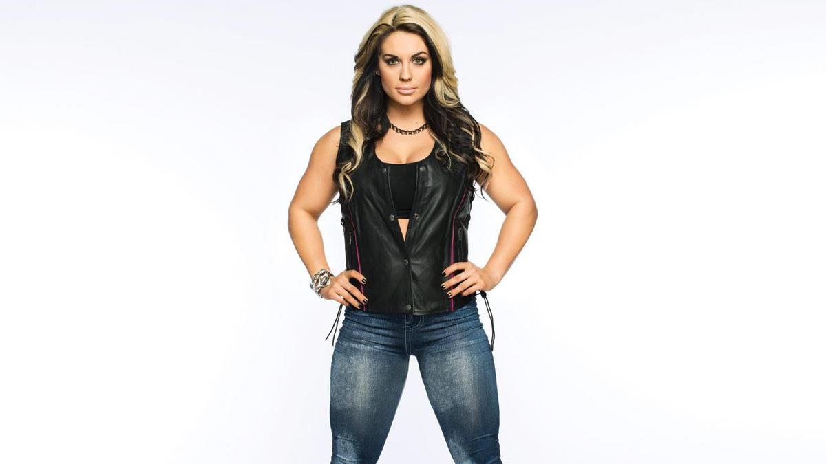 Kaitlyn WWE Nude Photos 62