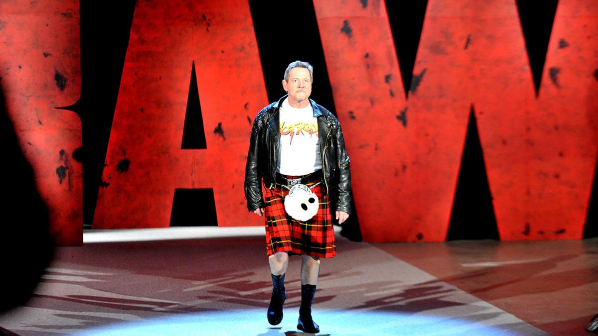 """Piper's Pit"""" with The Shield: photos 