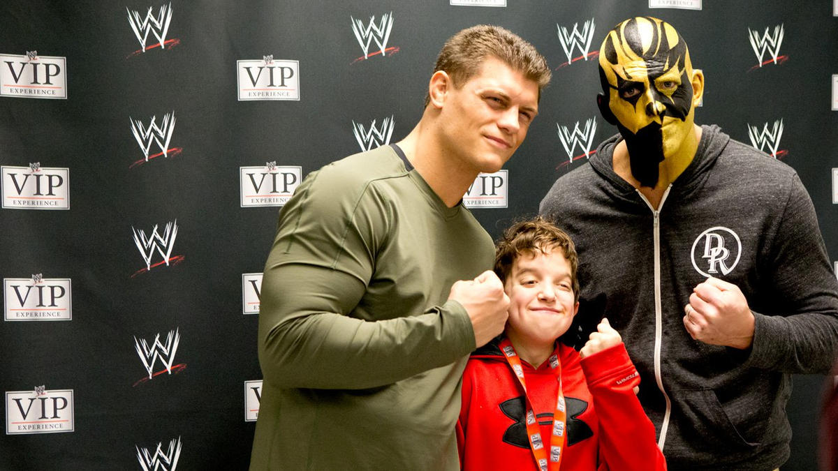 Wwe fans enjoy the wwe vip experience in bridgeport conn photos wwe during wwes recent stop in bridgeport conn lucky members of the wwe universe m4hsunfo