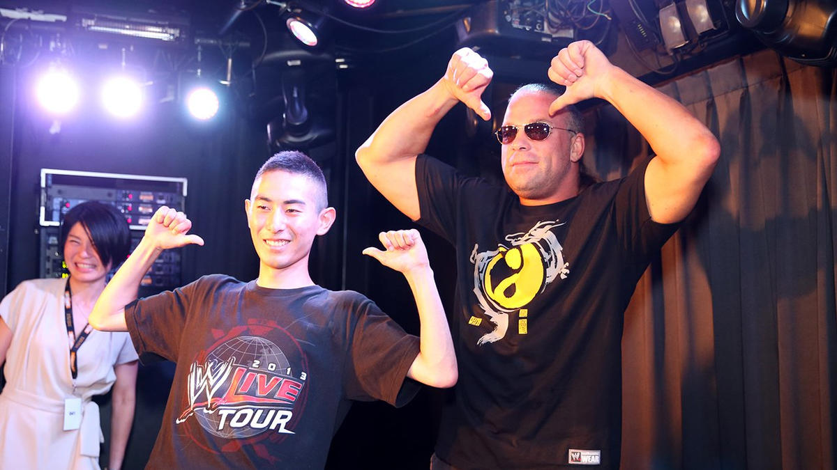 John cena rob van dam meet the wwe universe in tokyo photos wwe rob van dam has fans around the world including japan m4hsunfo