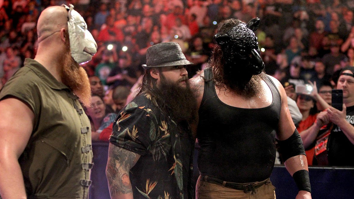 Roman Reigns, Dean Ambrose & Seth Rollins vs  The Wyatt