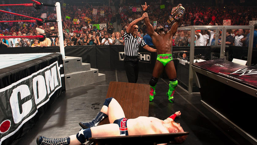 Sheamus vs. Kofi Kingston - United States Championship Tables Match: WWE  Extreme Rules 2011 | WWE
