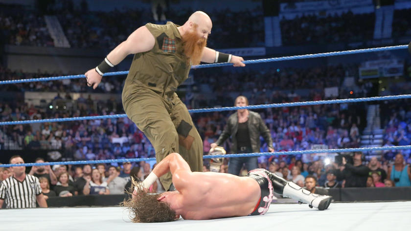 Erick Rowan interrupts The Showoff's celebration.