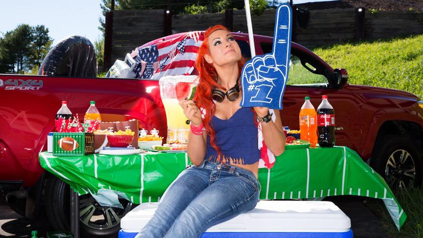 Фотосет: звёзды WWE на пикнике