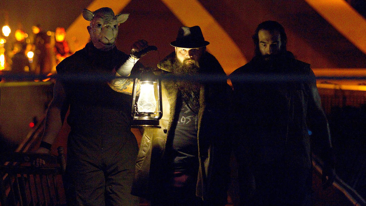 Bray Wyatt enters the WrestleMania 30 with his family