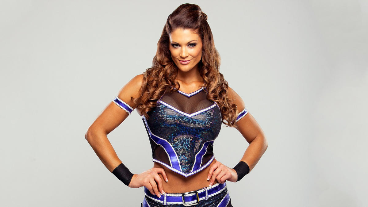 How long has eve torres and rener gracie been dating a month