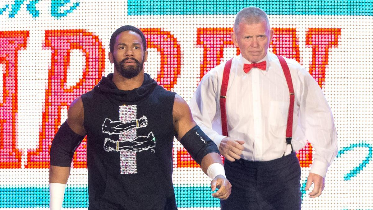 Fred Rosser afirma que 90% do roster da WWE usa substância derivada da maconha