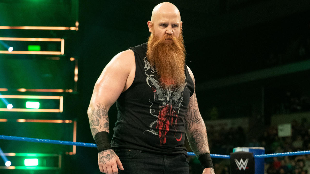 Erick Rowan Appears at AEW Dynamite