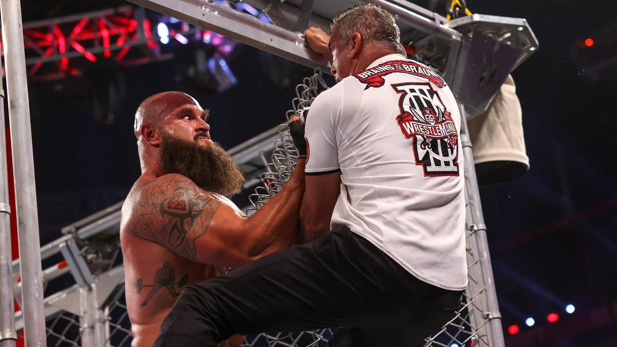 Braun Strowman def. Shane McMahon (Steel Cage Match) | WWE