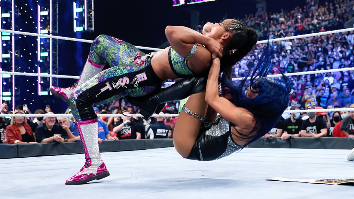 SmackDown Women's Champion Becky Lynch vs. Bianca Belair ended in a No Contest after Sasha Banks attacked both Superstars | WWE