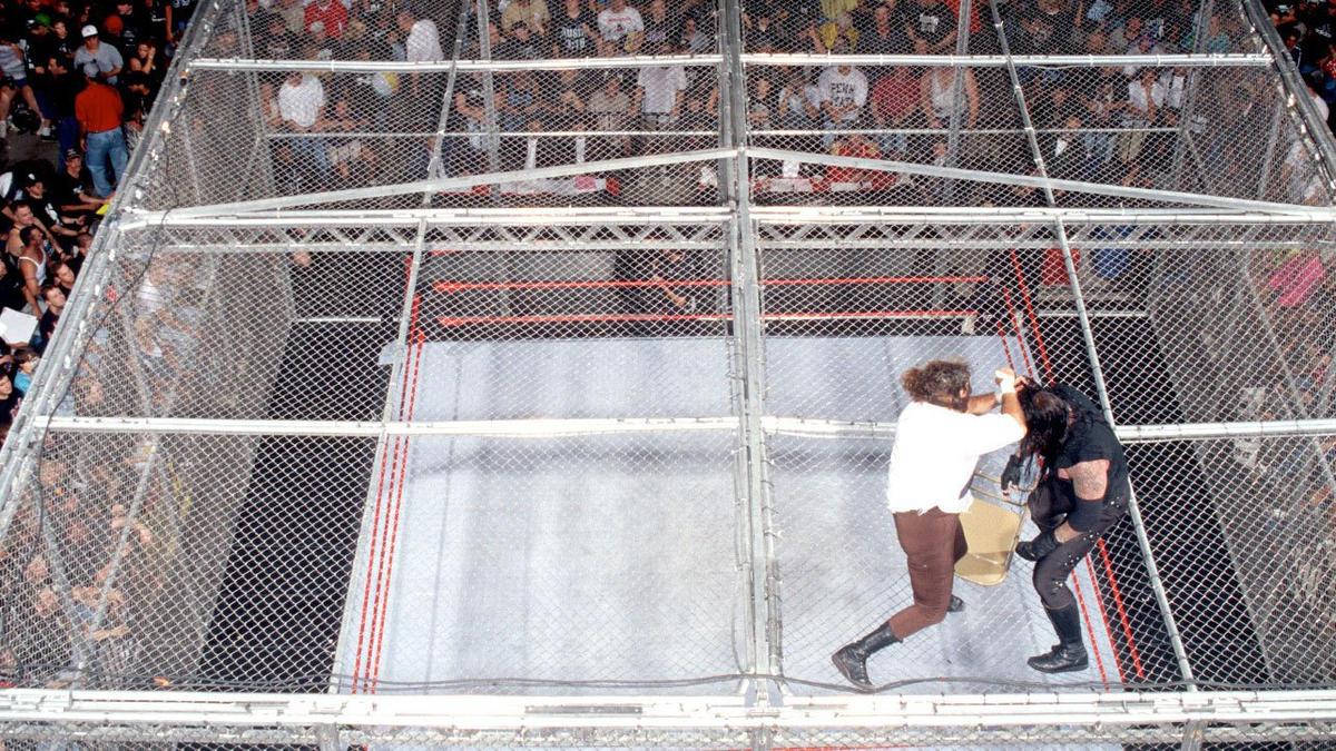 Resultado de imagem para undertaker vs mankind king of the ring