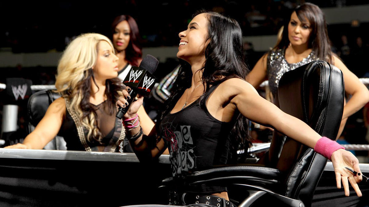 Divas Championship Match Contract Signing: photos