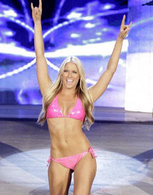 Kelly Kelly Is Ready For Six Diva Summer Swimsuit Spectacular Tag Match