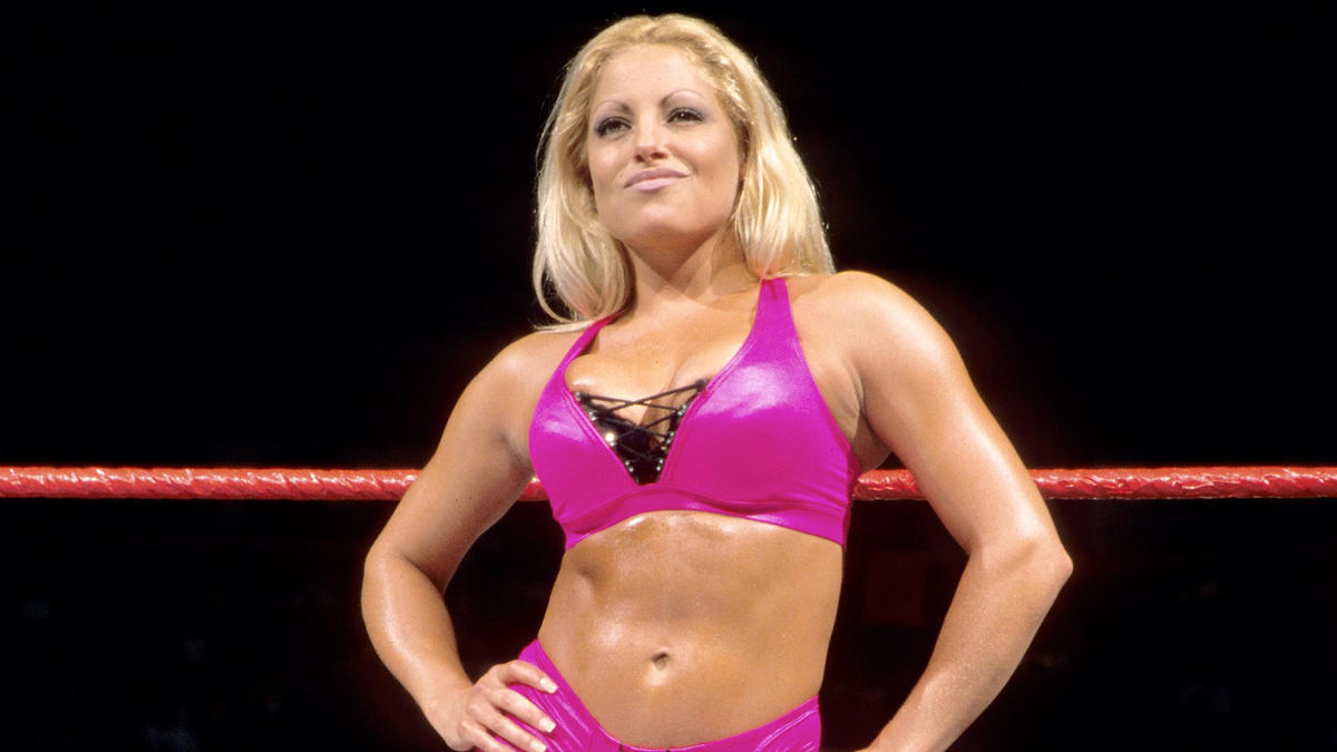 Mandy Rose Paying Tribute To Trish Stratus Get Big Attention From WWE Fans 1