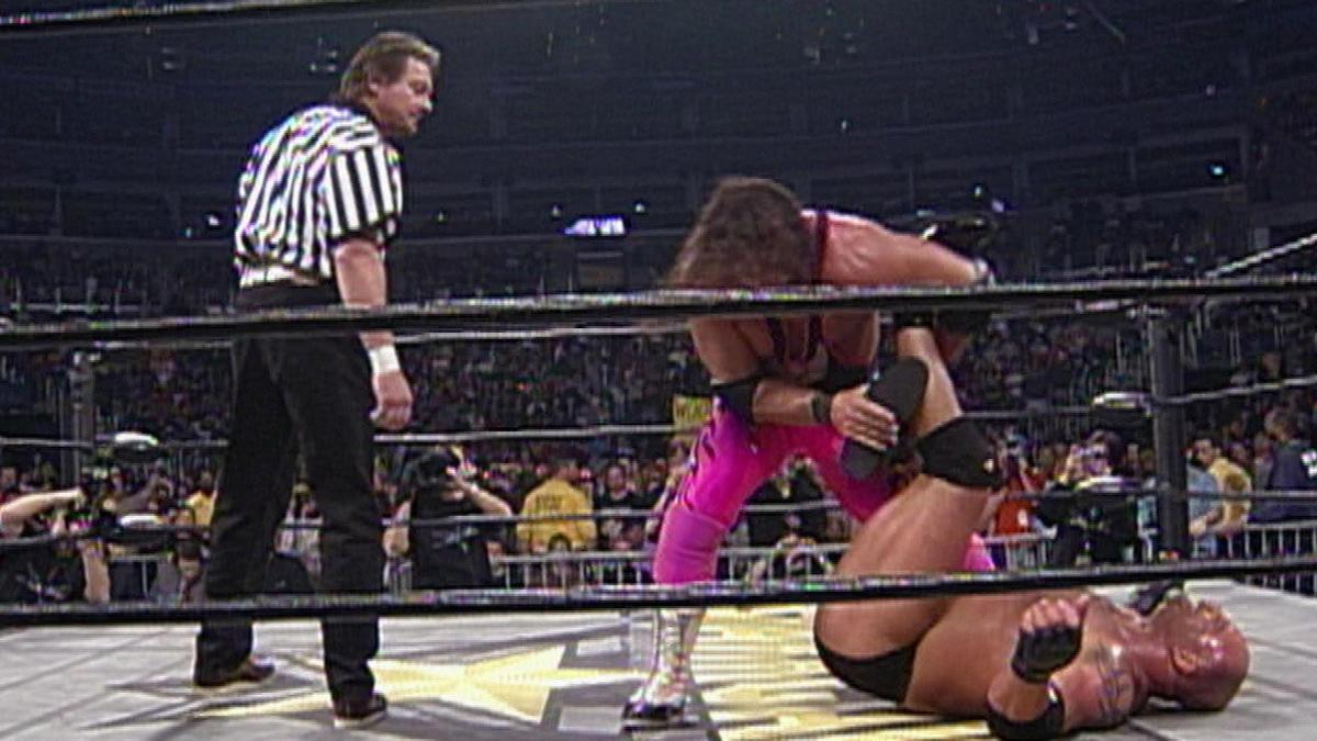 Resultado de imagem para Goldberg vs Bret Hart starrcade