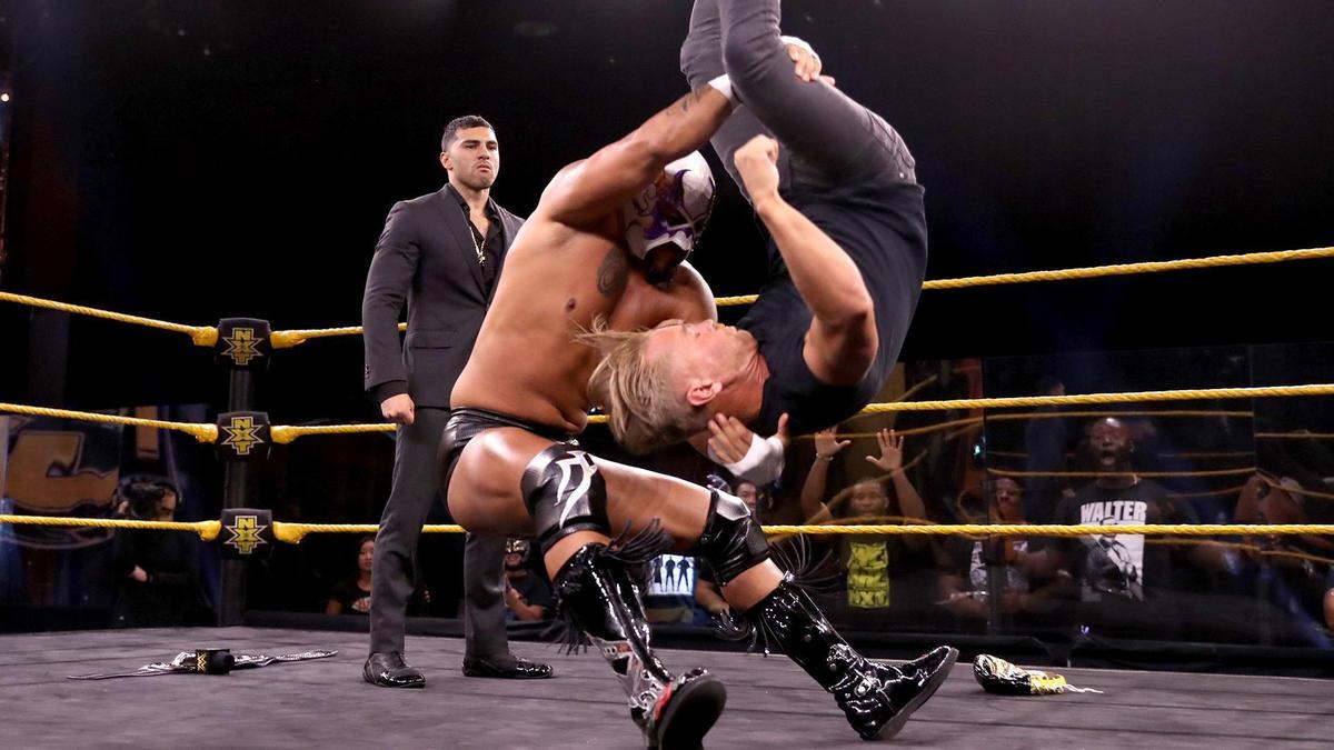El Hijo Del Fantasma revela sua real identidade no WWE NXT