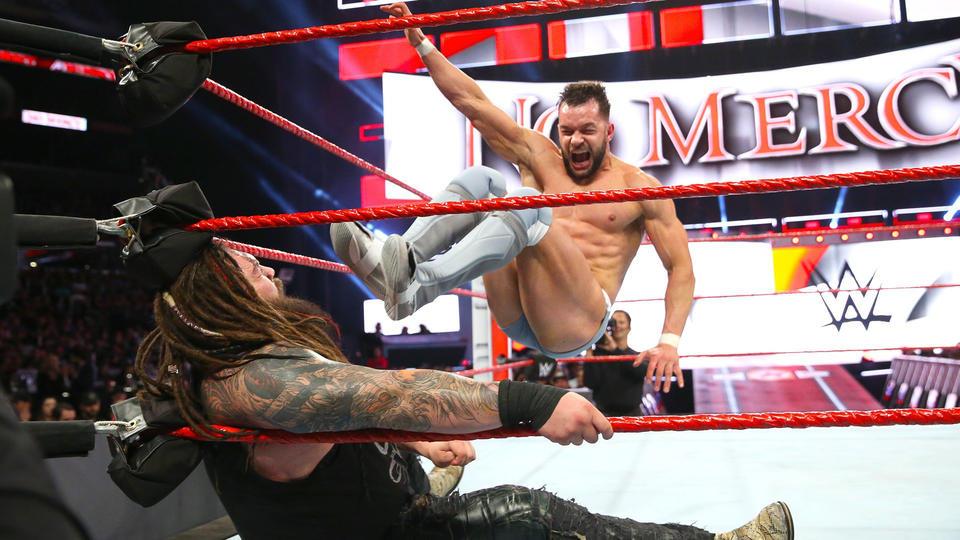Finn Bálor def. Bray Wyatt