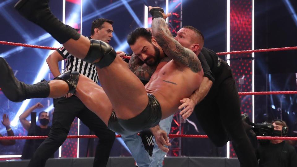 WWE RAW tem queda de audiência nas vésperas do SummerSlam