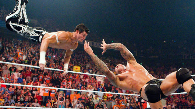 Randy Orton RKOs Evan Bourne in mid-air: Raw, July 12, 2010