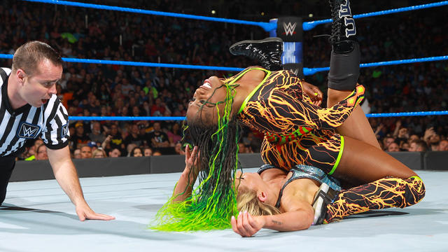 Naomi vs. Charlotte Flair - SmackDown Women's Championship Match: SmackDown LIVE, April 25, 2017