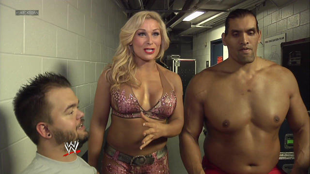 WWE Star Natalya Jealous As Beth Phoenix Got To Kiss The Great Khali 3
