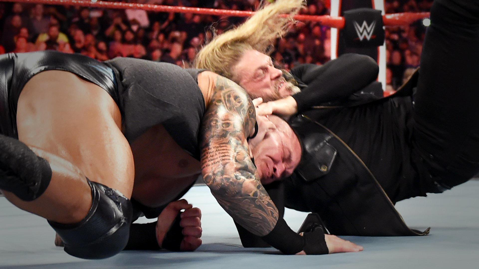 Edge destrói Randy Orton e MVP no RAW