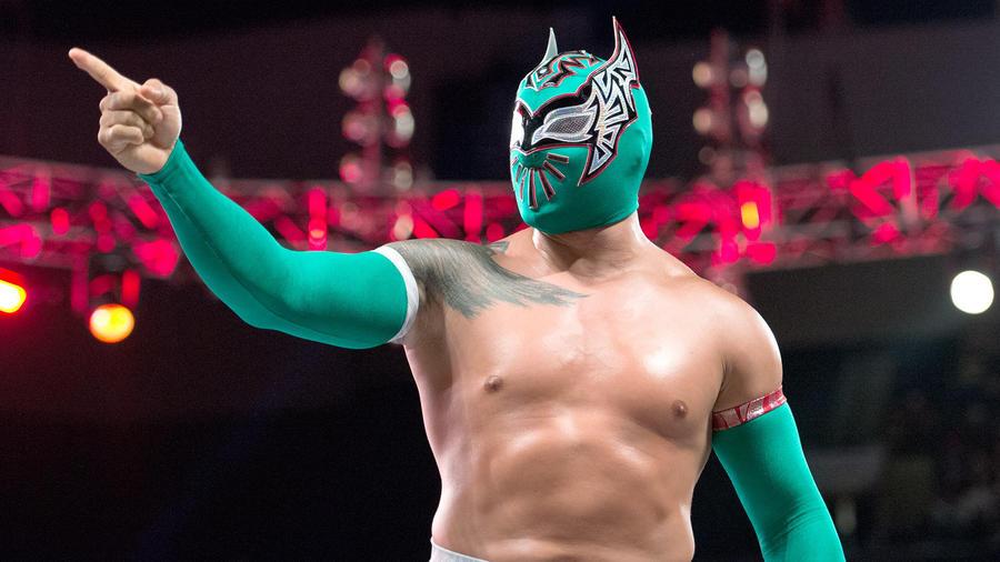 Sin Cara estreia nova ring gear durante live-event da WWE
