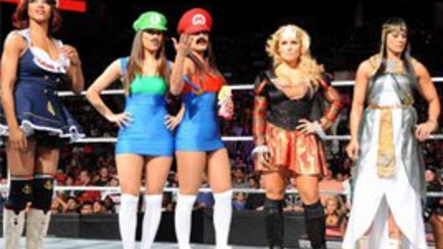1 contenders divas halloween costume battle royal wwe - Wwe Halloween Divas