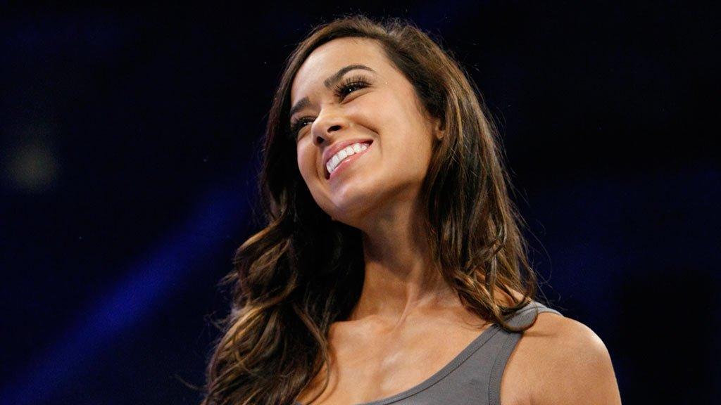 AJ Lee Kisses Paige Lesbian Love Story/Feud Continues As