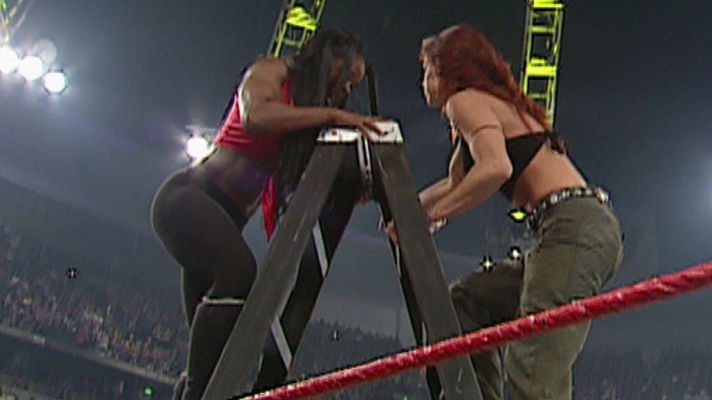 Lita vs. Jacqueline - Hardcore Match: Raw, October 9, 2000