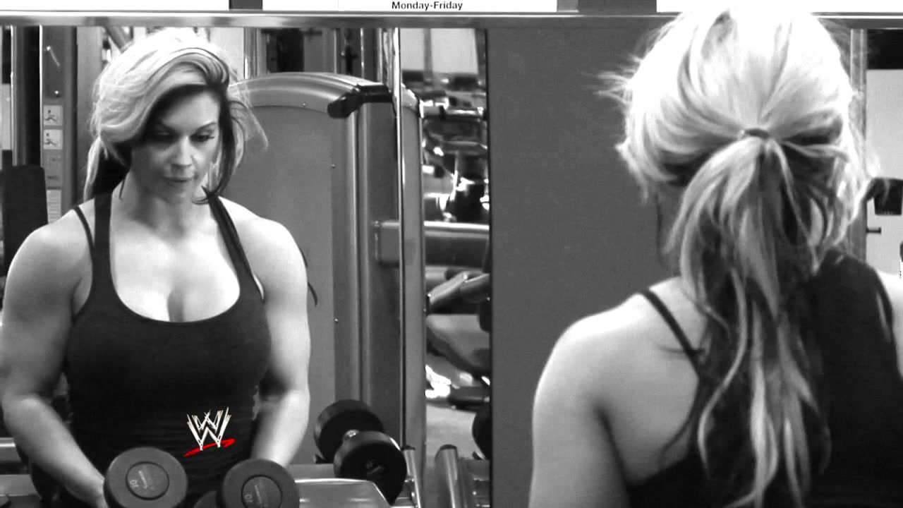 John Cena Bodybuilding Workout How to meet a lady at the gym