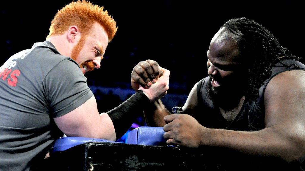 Sheamus vs. Mark Henry - Arm Wrestling Contest: SmackDown 03.05.13