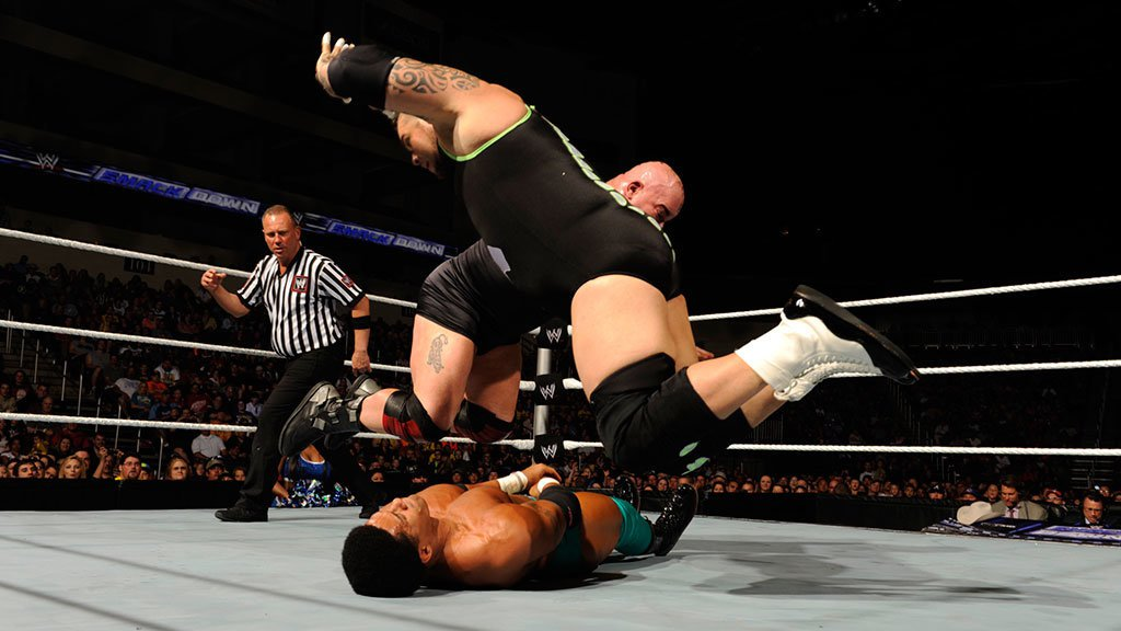 Tons of Funk vs. The Prime Time Players: SmackDown, 17. Mai 2013