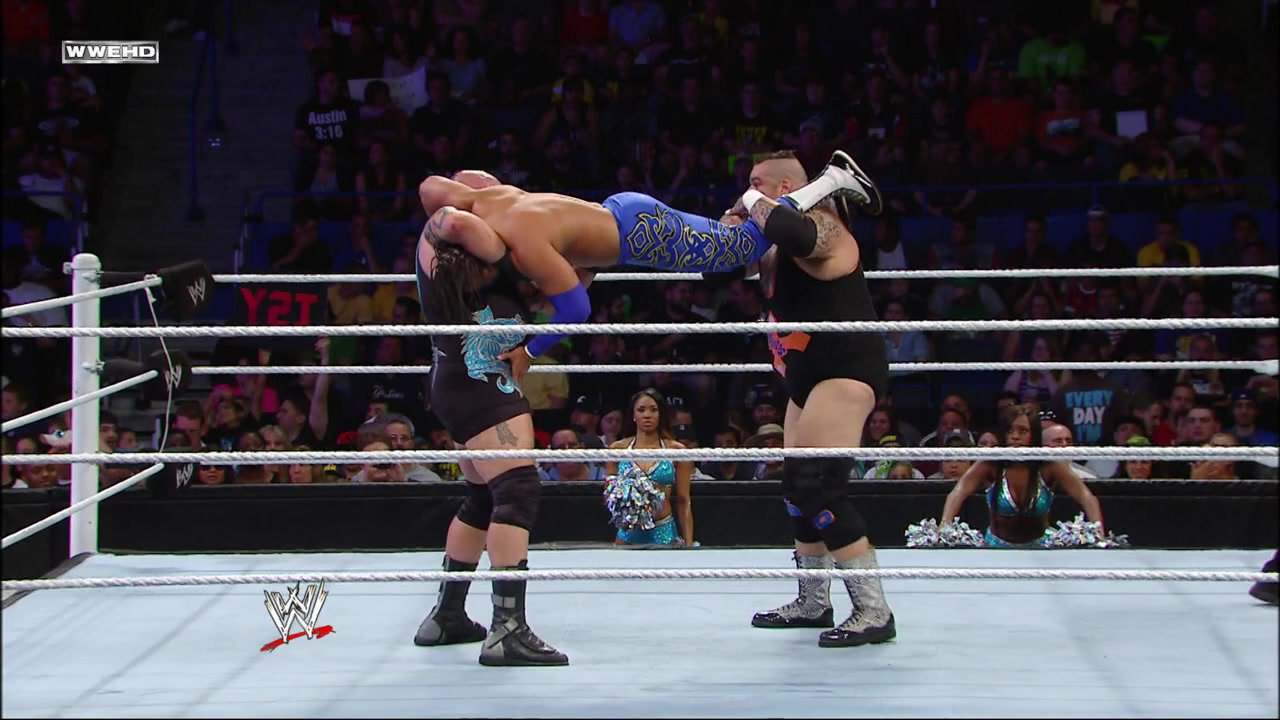 Tons of Funk vs. Primo & Epico: WWE Superstars, June 7, 2013