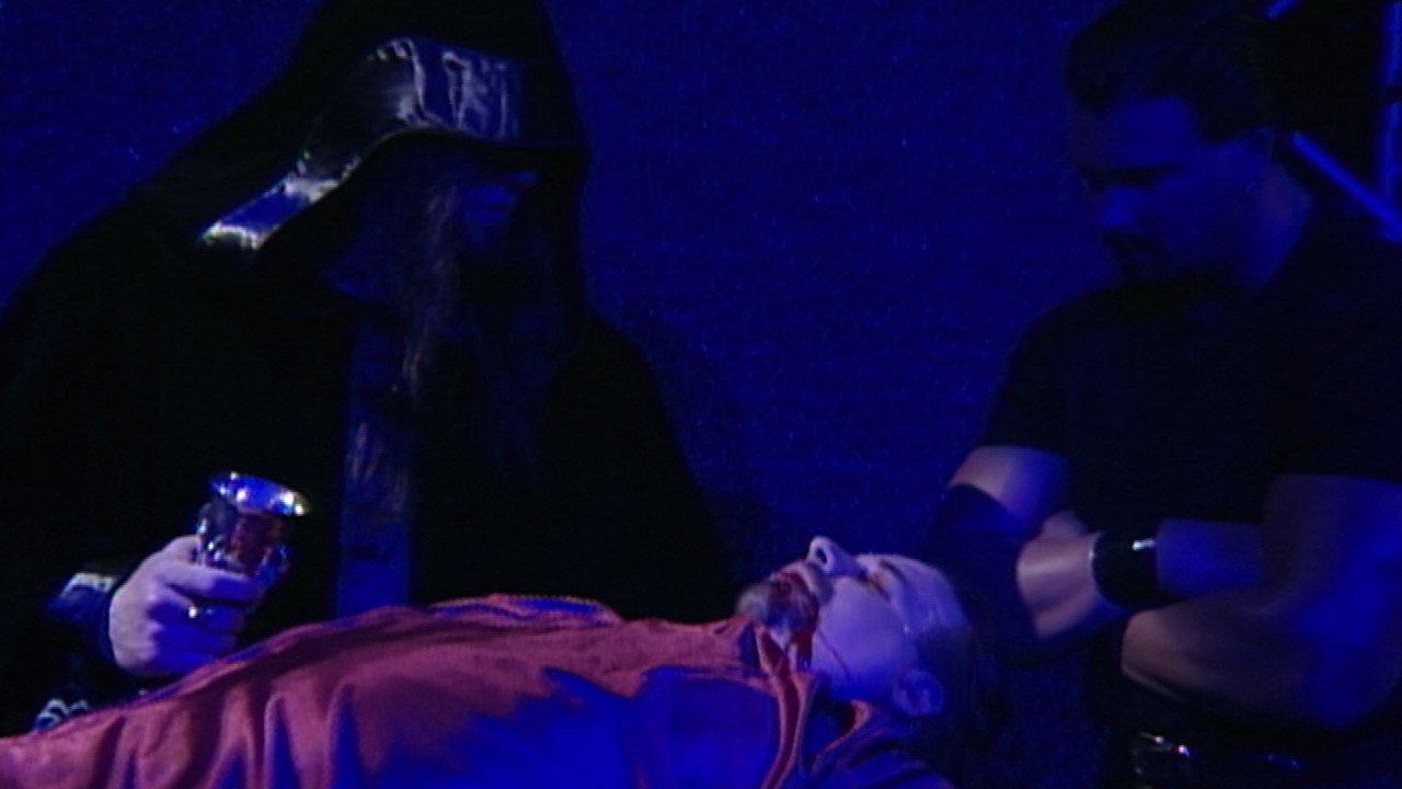 The Undertaker accueille Dennis Knight dans son Ministry of Darkness: Raw, 11 janvier 1999