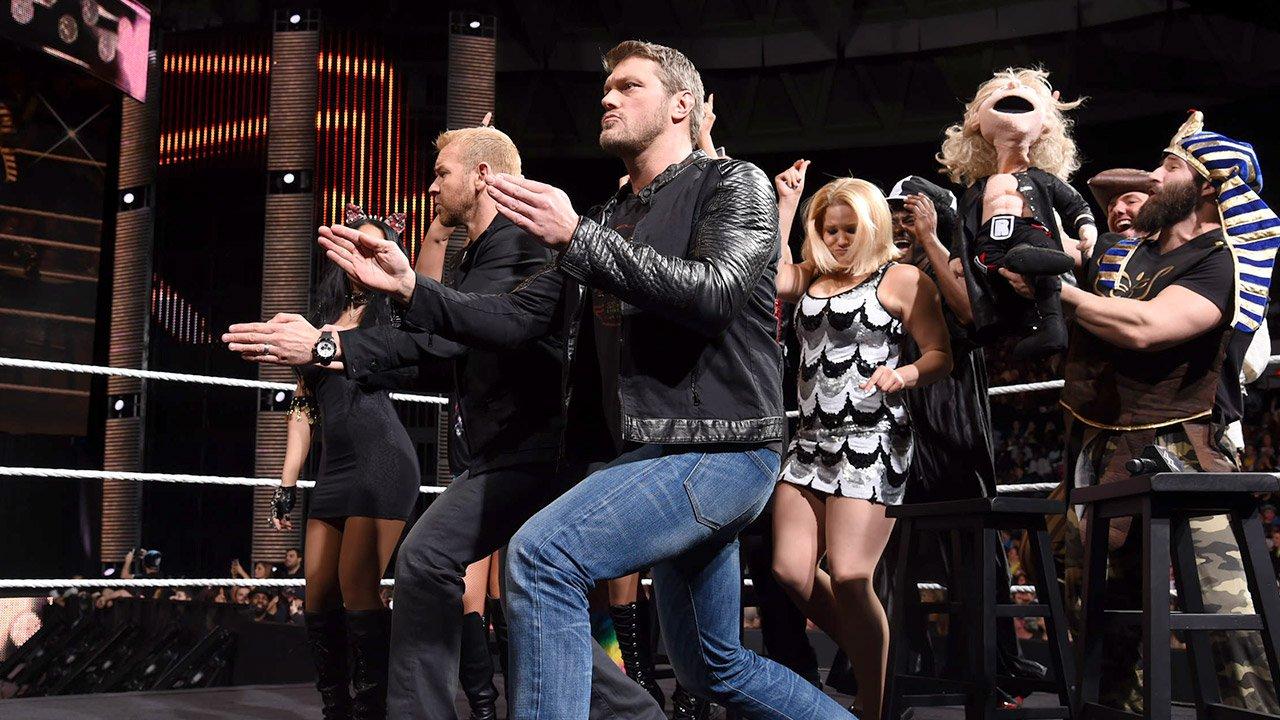 "Edge & Christian animent ""The Cutting Edge Peep Show"": WWE Main Event, 30 décembre 2014"