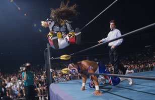 Luchadores compete in WCW.
