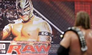 2008: Rey Mysterio drafted to Raw