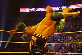 Sin Cara vs. Evan Bourne
