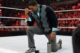 Otunga in silver shoes
