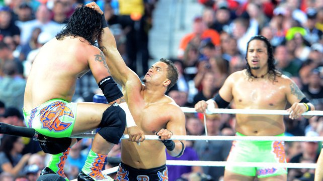 Primo & Epico battle The Usos and Tyson Kidd & Justin Gabriel at WrestleMania XXVIII