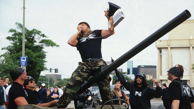 [Divers] Les 15 plus grandes révolutions de l'histoire de la WWE selon WWE.com DX%20TANK