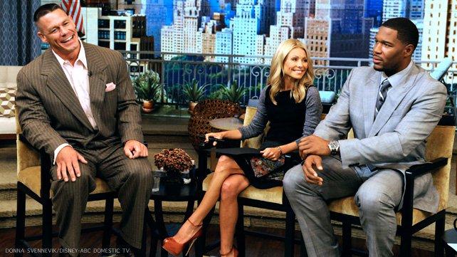 约翰 塞纳客串 生活与凯利和迈克尔 高清图片