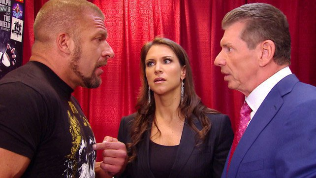 Desacordo entre Vince McMahon e Triple H sobre o combate de Sting na WrestleMania