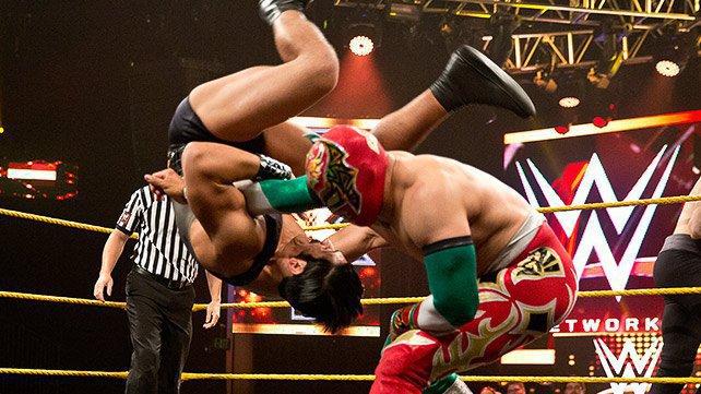 Драка за кулисами SmackDown.Обновлено